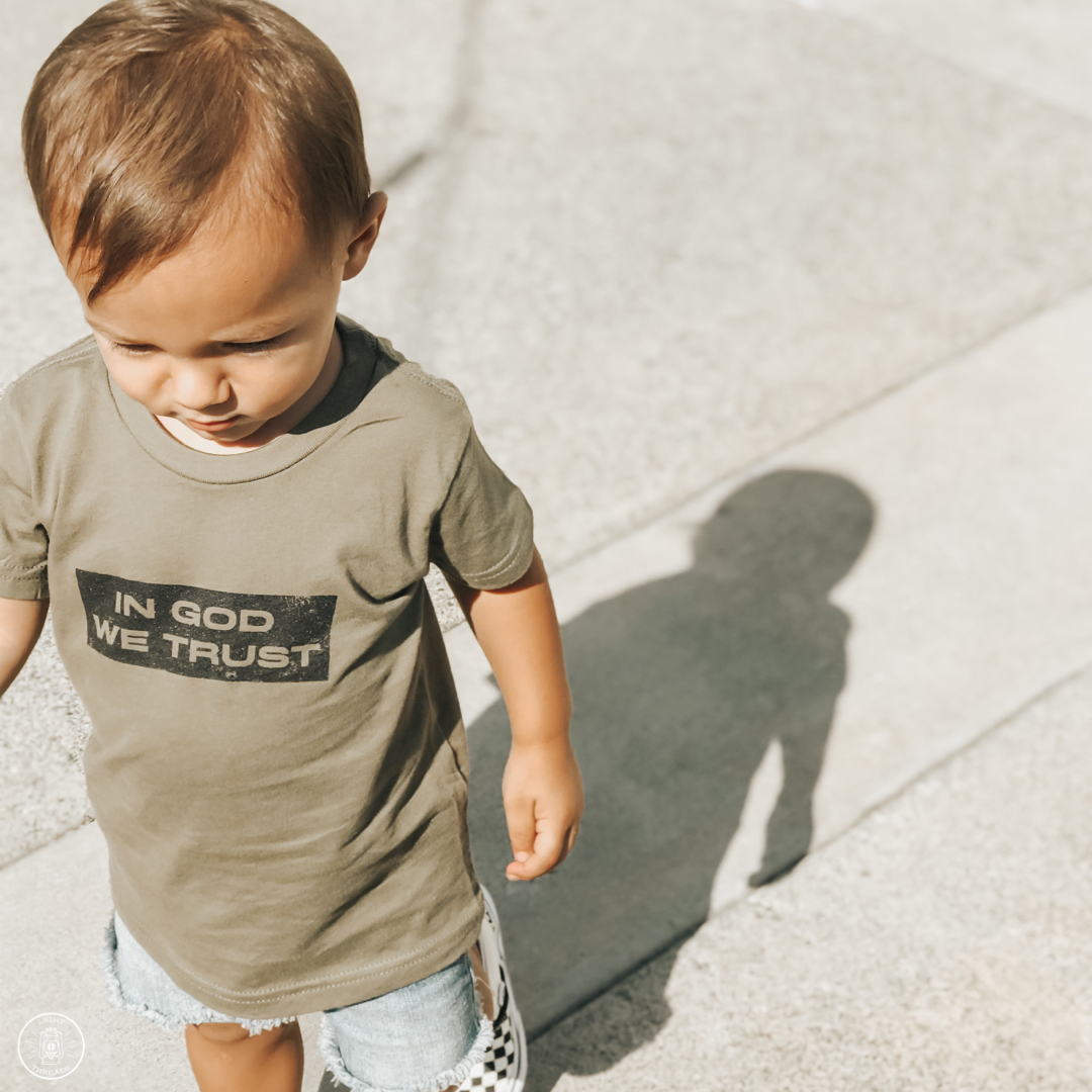 IN GOD WE TRUST TODDLER TEE, GREEN